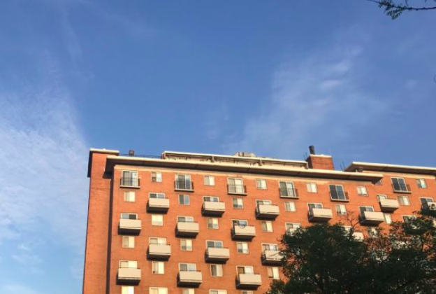 Photo of apartment building.
