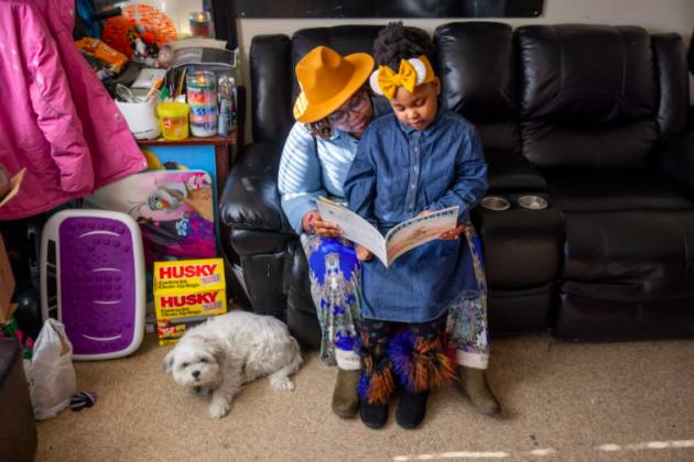 Photo of Rhonda Hall and her daughter Terik.
